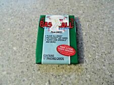 Vintage 1992 Fleer Baseball Trading Cards  - Wax Pack 17 Trading Cards