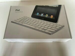 Apple iPad Keyboard Dock for 30-Pin iPad 1st 2nd Generation - Model A1359 Sold A