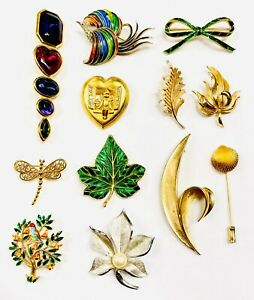 12 Vintage Trifari Brooches Pins Collection Pins Enamel Rhinestone Lucite 1960's