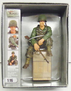 Finished Figure US Private 1st Class Infantry Wk II Sitting, Torro, 1:16, New