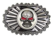 Boucle plaque de ceinture tête de mort entouré d'une chaine de moto.