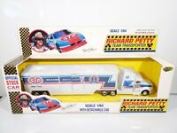 ROAD CHAMPS RICHARD PETTY TEAM TRANSPORTER 1992 STP TRUCK 1/64 DIECAST BRAND NEW