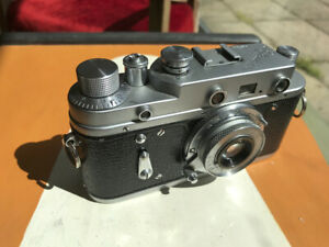 Zorki 2c Russian Rangefinder 35mm film camera with collapsible Industar-50 lens