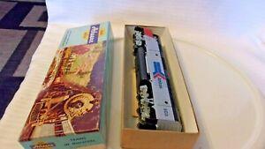 HO Scale Athearn GP-35 Diesel Locomotive Amtrak, Silver #503
