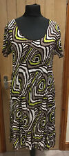 East Crinkle Dress Size 16 - Geometric Swirls Pattern