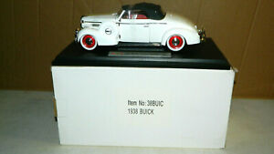 1/18 SCALE DIECAST SIGNATURE MODELS 1938 BUICK CENTURY CONVERTIBLE  CAR BOXED