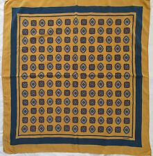 -Superbe Foulard  CHANEL 100% soie  TBEG  vintage scarf