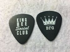 Guitar Pick Billy Gibbons - Zz Top - King Bee guitar pick No lot