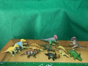 "10 Vintage Dinosaur Toy Figures 2"" Long — 1"" Tall Velociraptor triceratops"