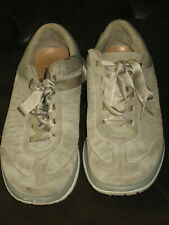 Ugg 8 comfort casual sneakers womens 8 Energ comfort system taupe beige suede