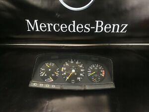 Mercedes W123 200 230C 230CE   Instrument Cluster Speedometer RPM  4 cylinder