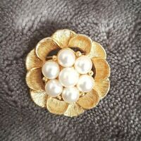 Vintage small Sarah Coventry Pearl Gold tone Brooch Pin Pendant duo dainty vtg