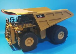 REDUCED! 1/50 Caterpillar 797 Dump truck New in Box