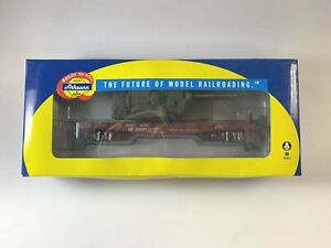 Athearn HO scale #96348 Union Pacific 40' flat car w/Army tank C-10 boxed 166477