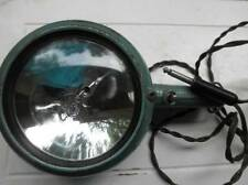 VTG Auto Lamp Model 750 Green Metal Case with Lamp for Camera Battery Pack