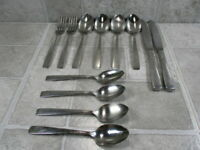 Oneidacraft Deluxe Accent Glossy Stainless Flatware 12 Pcs
