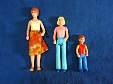 Vintage TOMY Smaller Homes Mother OR Brother figures (choose 1)