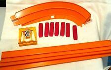 Vintage Hot Wheels Track & Accessories - 1968 Mattel Inc, Hawthorne, CA
