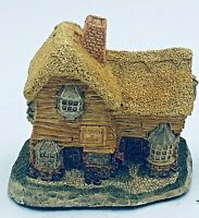 "David Winter Cottage 1982 ""The Village Shop"" Hand Made / Hand Painted with COA"
