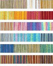Matassine e fili da ricamo multicolore