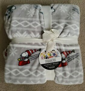 "Peanuts Velvet Soft Blanket Snoopy Sledding Ice Skating Berkshire TWIN 60"" X 90"""