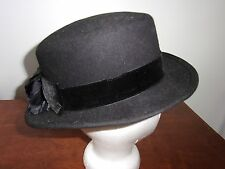 VINTAGE BLACK WOOL HAT 1960 70 BLACK FELT RIBBON FLOWER WHITE SEED PEARLS
