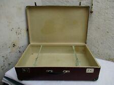 Ancienne valise de voyage grand en carton couleur bordeau intérieur papier