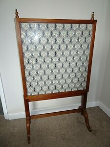 Antique Edwardian Mahogany Height Adjustable Firescreen with Art Nouveau Design