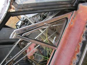 65 FORD FAIRLANE 2 DOOR HARDTOP RIGHT FRONT VENT WING WINDOW & FRAME CLEAR 4F