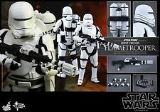 Hot Toys MMS326 Star Wars The Force Awakens Flametrooper