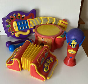 The Wiggles Musical Instruments  Guitar, Drums, Accordion & Microphone