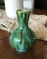 Vintage small vase green / turquoise smooth glaze 4 1/2 in high x 3 in