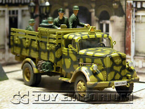 """Forces Of Valor  """"RETIRED"""" German 3 Ton Cargo Truck w/5 Soldiers Eastern Front"""