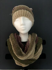 Colorblock knit neck warmer and beanie hat with pom pom Beige