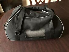 Puppy/Small Dog Black Soft Side Plane Carrier with Bed, Slightly Used No Reserve
