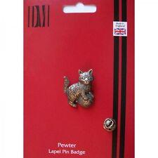 A42 Kitten Cat English Pewter Lapel Pin Badge XTSPBA42