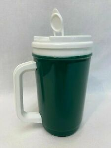 Green and White Insulated Cup Spout Kitchen Drink Mug Drinkware Cold Hot