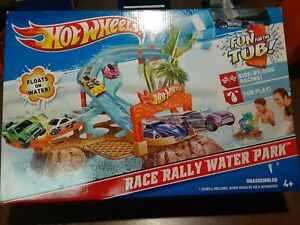 Hot Wheels Race Rally Water Park New. NIB Collectible Never Opened 2013 RARE