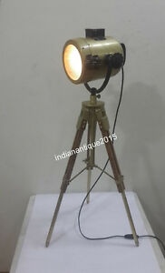 VINTAGE-STAGE-SEARCHLIGHT-SPOTLIGHT-FLOOR-Table-LAMP-TRIPOD-WITH BRASS FINISH