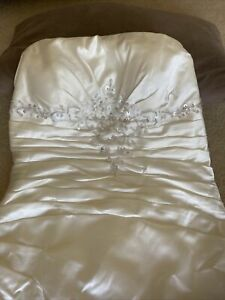 Wedding dress size 16 new ivory With A Small Train Brand New Without Tags Beaded