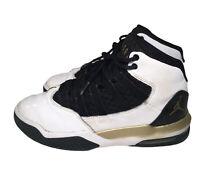 AIR JORDAN Nike Jordan Max Aura Size 4.5Y