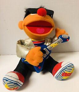 2000 Sesame Street Rock & Roll Ernie Plays Guitar Sings & Shakes Works Great