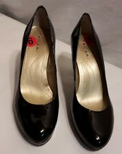 Tahari Womens Platform Pumps Shoes Black Patent Gold Trim Size 9 M
