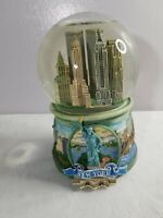 NYC Twin Towers World Trade Center San Francisco Music Box Company Snow Globe