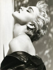 Madonna UNSIGNED photograph - L8678 - True Blue - NEW IMAGE!!!