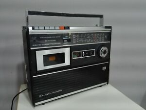 VINTAGE RADIO - CASSETTE PLAYER NATIONAL PANASONIC R-560B    From 70s