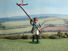 HaT Napoleonic Russian soldier with banner  1:32 painted