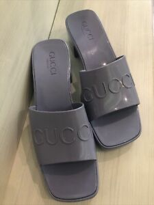 Gucci Women's rubber slide sandal Size 38
