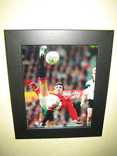 Eric Cantona (Manchester United & France) Signed Photo (8x10) Framed with CofA