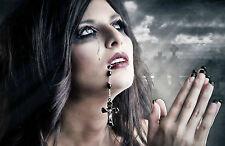 Stampa incorniciata-Gotico Donna preghiera con rosario in bocca (PICTURE ART)